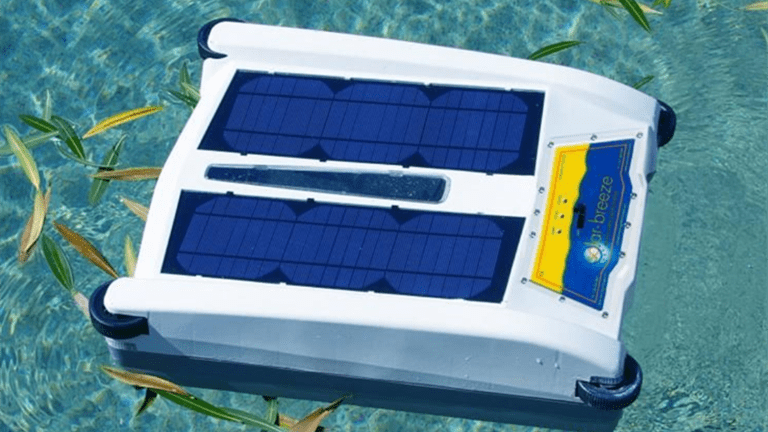 Self-Contained Pool Skimmer